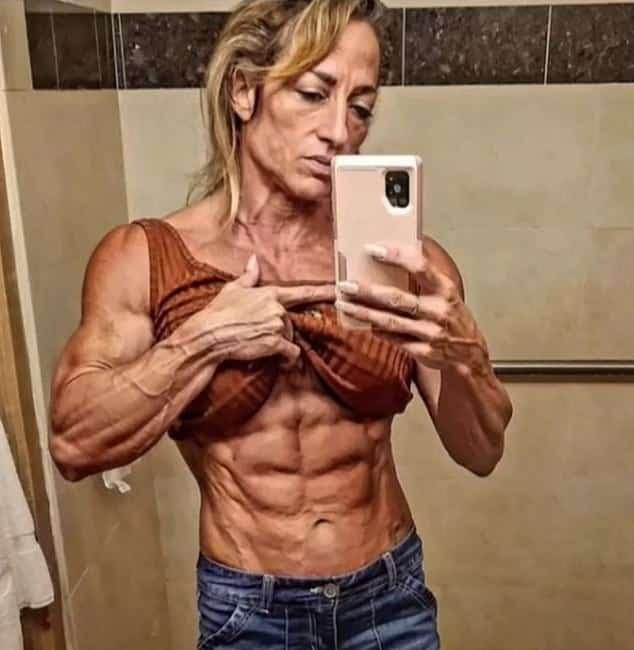 Bodybuilding mother stuns TikTok